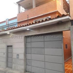 Casa En Ventaen Caracas, Los Cedros, Venezuela, VE RAH: 21-27515