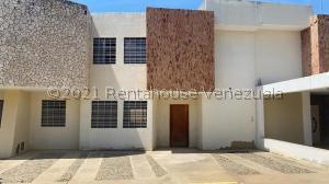 Townhouse En Ventaen Ciudad Ojeda, La 'l', Venezuela, VE RAH: 21-27325