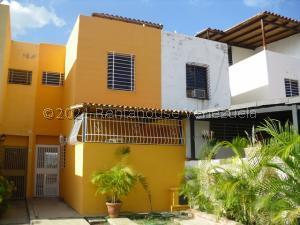 Casa En Ventaen Guarenas, Altos De Copacabana, Venezuela, VE RAH: 21-27356