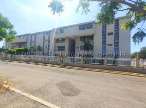 Apartamento En Ventaen Maracaibo, Los Aceitunos, Venezuela, VE RAH: 21-27353