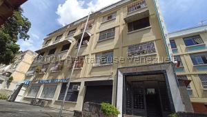 Apartamento En Ventaen Caracas, Los Chaguaramos, Venezuela, VE RAH: 21-27355