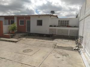 Casa En Ventaen Cabudare, Parroquia José Gregorio, Venezuela, VE RAH: 21-27385