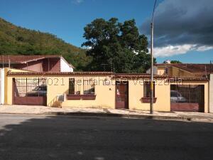 Casa En Ventaen Maracay, El Castaño (Zona Privada), Venezuela, VE RAH: 21-27403
