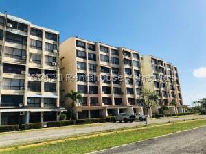 Apartamento En Ventaen Higuerote, Agua Sal, Venezuela, VE RAH: 21-27398