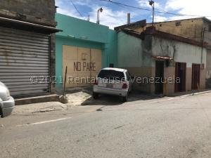 Casa En Ventaen Los Teques, Los Teques, Venezuela, VE RAH: 21-27408