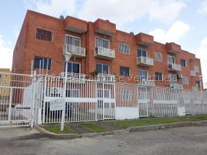 Apartamento En Ventaen Cabudare, Centro, Venezuela, VE RAH: 21-27593