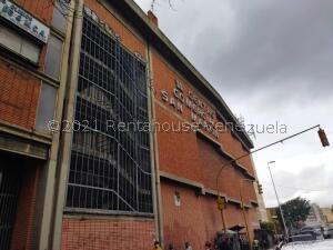 Local Comercial En Ventaen Caracas, San Martin, Venezuela, VE RAH: 21-27429