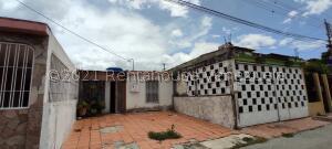 Casa En Ventaen Cabudare, Piedra Azul, Venezuela, VE RAH: 21-27436