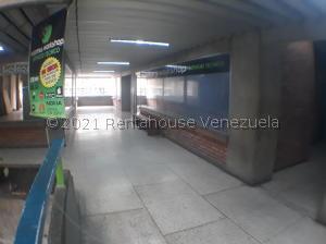 Local Comercial En Ventaen Barquisimeto, Centro, Venezuela, VE RAH: 21-27489