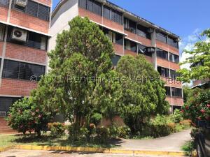Apartamento En Ventaen Guarenas, Ciudad Casarapa, Venezuela, VE RAH: 21-27441