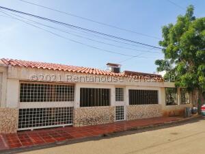 Casa En Ventaen Maracaibo, Club Hipico, Venezuela, VE RAH: 21-27494