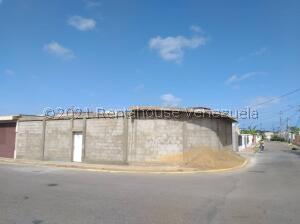 Casa En Ventaen Punto Fijo, Judibana, Venezuela, VE RAH: 21-27505