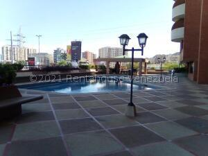 Apartamento En Ventaen Lecheria, Casco Central, Venezuela, VE RAH: 21-27508