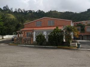 Townhouse En Ventaen Municipio Naguanagua, La Entrada, Venezuela, VE RAH: 21-27941
