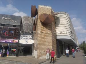 Local Comercial En Ventaen Barquisimeto, Centro, Venezuela, VE RAH: 21-27527