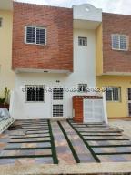 Casa En Ventaen Cabudare, La Piedad Norte, Venezuela, VE RAH: 21-27548