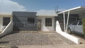 Casa En Ventaen Cabudare, Parroquia José Gregorio, Venezuela, VE RAH: 21-27540