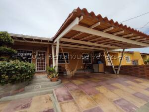 Casa En Ventaen Cabudare, Parroquia José Gregorio, Venezuela, VE RAH: 21-27564