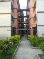 Apartamento En Ventaen Guarenas, Camino Real, Venezuela, VE RAH: 21-27601