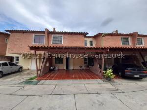Townhouse En Ventaen Municipio San Diego, Villa Jardin, Venezuela, VE RAH: 21-27629