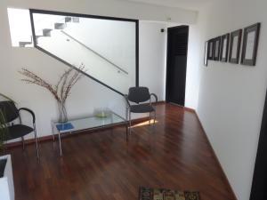 Edificio En Alquileren Maracaibo, Las Delicias, Venezuela, VE RAH: 21-27643