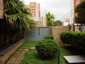 Apartamento En Alquileren Maracaibo, Tierra Negra, Venezuela, VE RAH: 21-27644