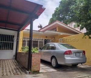 Casa En Ventaen Caracas, Santa Cecilia, Venezuela, VE RAH: 21-27683
