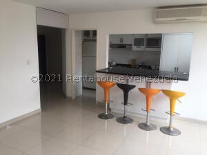 Apartamento En Alquileren Caracas, El Rosal, Venezuela, VE RAH: 21-27695