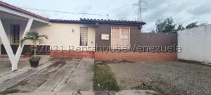 Casa En Ventaen Cabudare, Parroquia José Gregorio, Venezuela, VE RAH: 21-27698