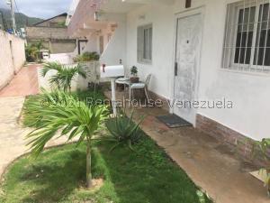 Townhouse En Ventaen Margarita, La Asuncion, Venezuela, VE RAH: 21-27714