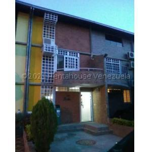 Townhouse En Ventaen Guarenas, Nueva Casarapa, Venezuela, VE RAH: 21-27732