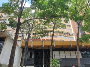 Apartamento En Ventaen Caracas, Parroquia Altagracia, Venezuela, VE RAH: 21-27752