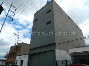Edificio En Ventaen Caracas, Prado De Maria, Venezuela, VE RAH: 21-28220
