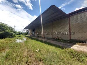 Galpon - Deposito En Ventaen Cabudare, La Piedad Norte, Venezuela, VE RAH: 21-27809