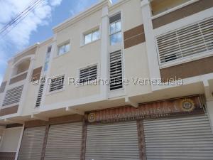 Local Comercial En Ventaen Ciudad Ojeda, La N, Venezuela, VE RAH: 21-27865