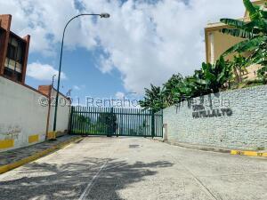Terreno En Ventaen Caracas, Alto Hatillo, Venezuela, VE RAH: 21-27873