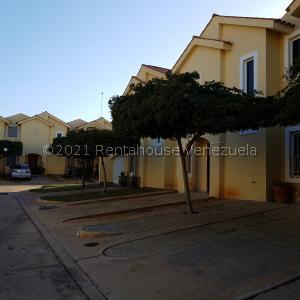 Townhouse En Ventaen Maracaibo, El Milagro Norte, Venezuela, VE RAH: 21-28156