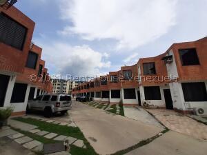 Townhouse En Ventaen Municipio Naguanagua, El Guayabal, Venezuela, VE RAH: 21-27930