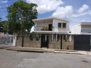 Casa En Ventaen Valencia, Trigal Norte, Venezuela, VE RAH: 21-27966