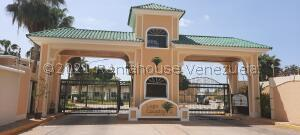 Townhouse En Ventaen Maracaibo, Fuerzas Armadas, Venezuela, VE RAH: 21-27924