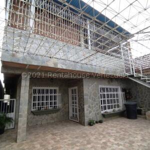 Casa En Ventaen Turmero, El Macaro, Venezuela, VE RAH: 21-27938