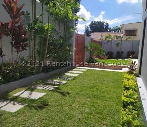 Casa En Ventaen Valencia, La Viña, Venezuela, VE RAH: 21-27935