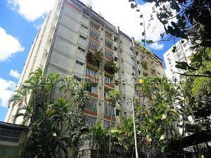 Apartamento En Ventaen Caracas, Prados Del Este, Venezuela, VE RAH: 21-18218
