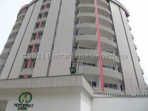 Apartamento En Ventaen Merida, Avenida Humbolt, Venezuela, VE RAH: 21-28075