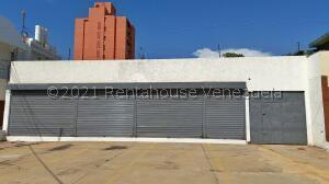 Local Comercial En Ventaen Maracaibo, Calle 72, Venezuela, VE RAH: 21-27996
