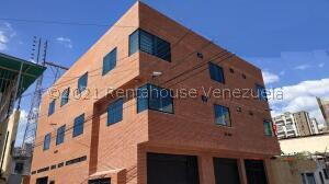 Local Comercial En Alquileren Maracay, La Barraca, Venezuela, VE RAH: 21-28000