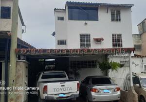 Casa En Ventaen Guarenas, Altos De Copacabana, Venezuela, VE RAH: 22-922