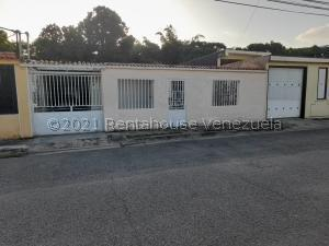 Casa En Ventaen Palo Negro, Conjunto Residencial Palo Negro, Venezuela, VE RAH: 21-28010