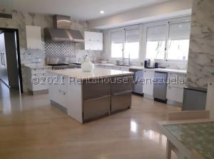 Apartamento En Ventaen Maracaibo, La Lago, Venezuela, VE RAH: 21-28043