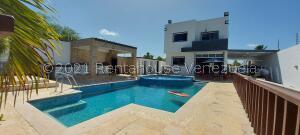 Casa En Ventaen Higuerote, Puerto Encantado, Venezuela, VE RAH: 21-28047
